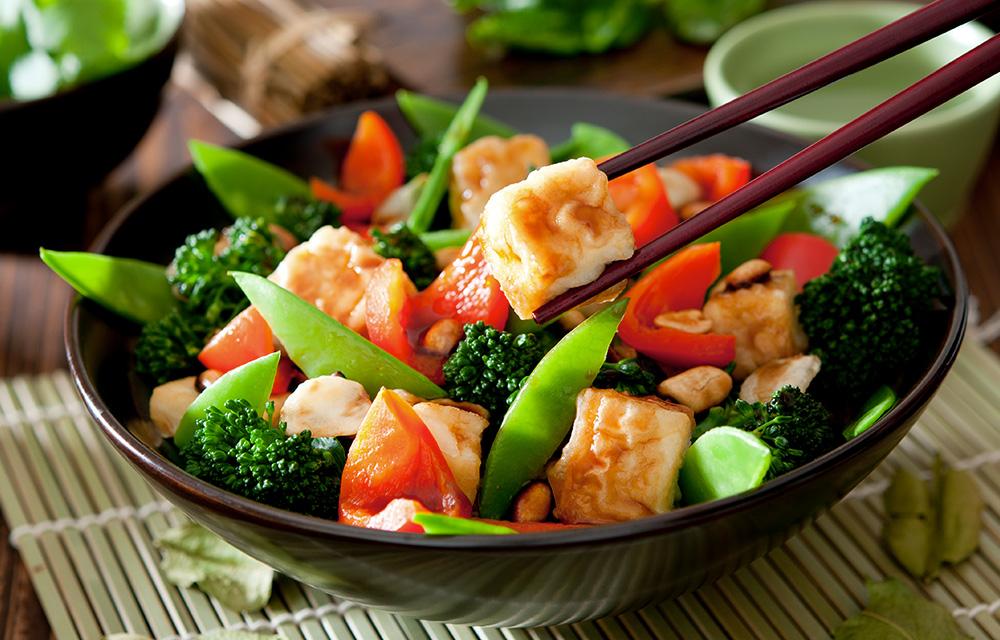 Legumes frescos na comida oriental 60 mais