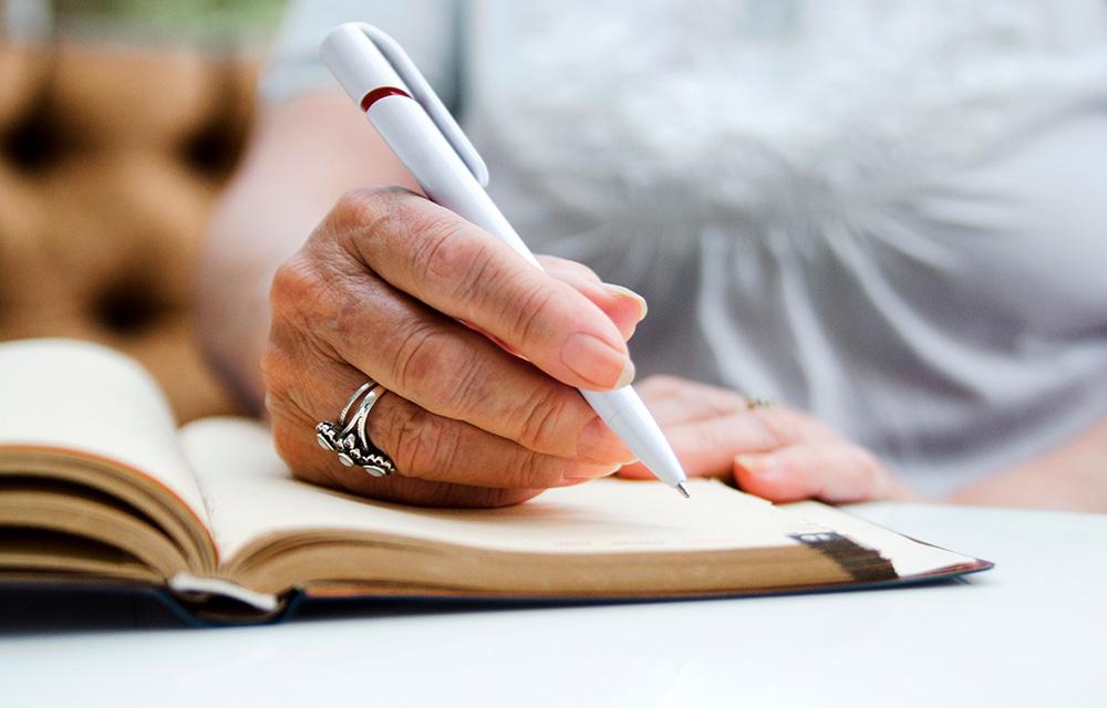 Como escrever um diário da quarentena 60 mais