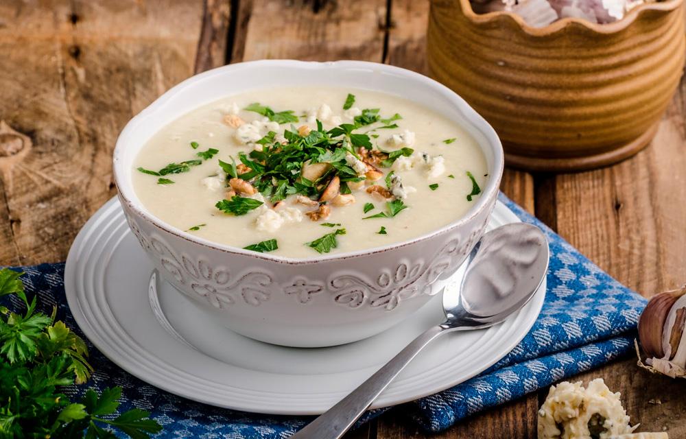 Receitas veganas de inverno Caldo de inhame com queijo vegano 60 mais