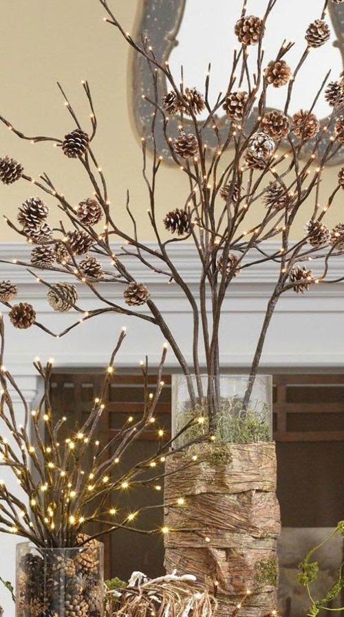 Decoração de Natal - árvore de galhos com pinhas - 60 mais