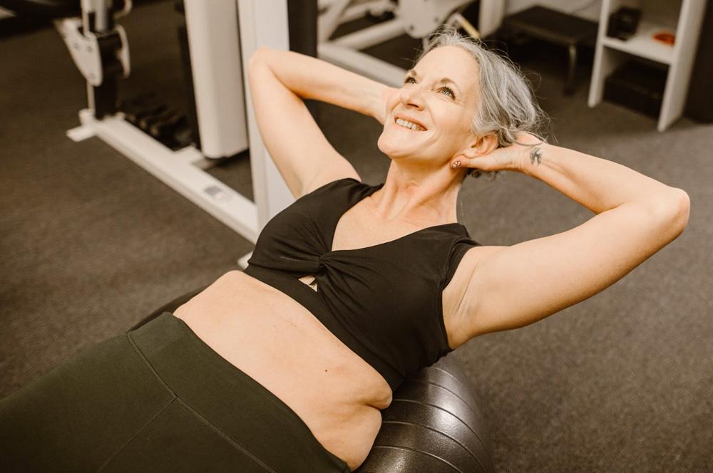 Exercícios físicos para saúde da mulher - 60 mais